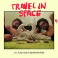 Das Schlagzeug meiner Mutter, so heißt hier das Album von Travel in Space, welches bei Off Label Records erschienen ist. Am 29.09.2017 ist dies gewesen. Doch was macht das Duo […]
